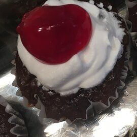 PHILLY Blackforest Stuffed Cupcakes