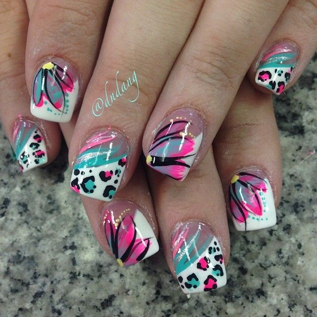 Looking for new nail art ideas for your short nails recently? These are  awesome designs you can realistically accomplish–or at least ideas you can  modify ... - Fondo Blanco Y Detalles En Colores Uñas De Colores Pinterest