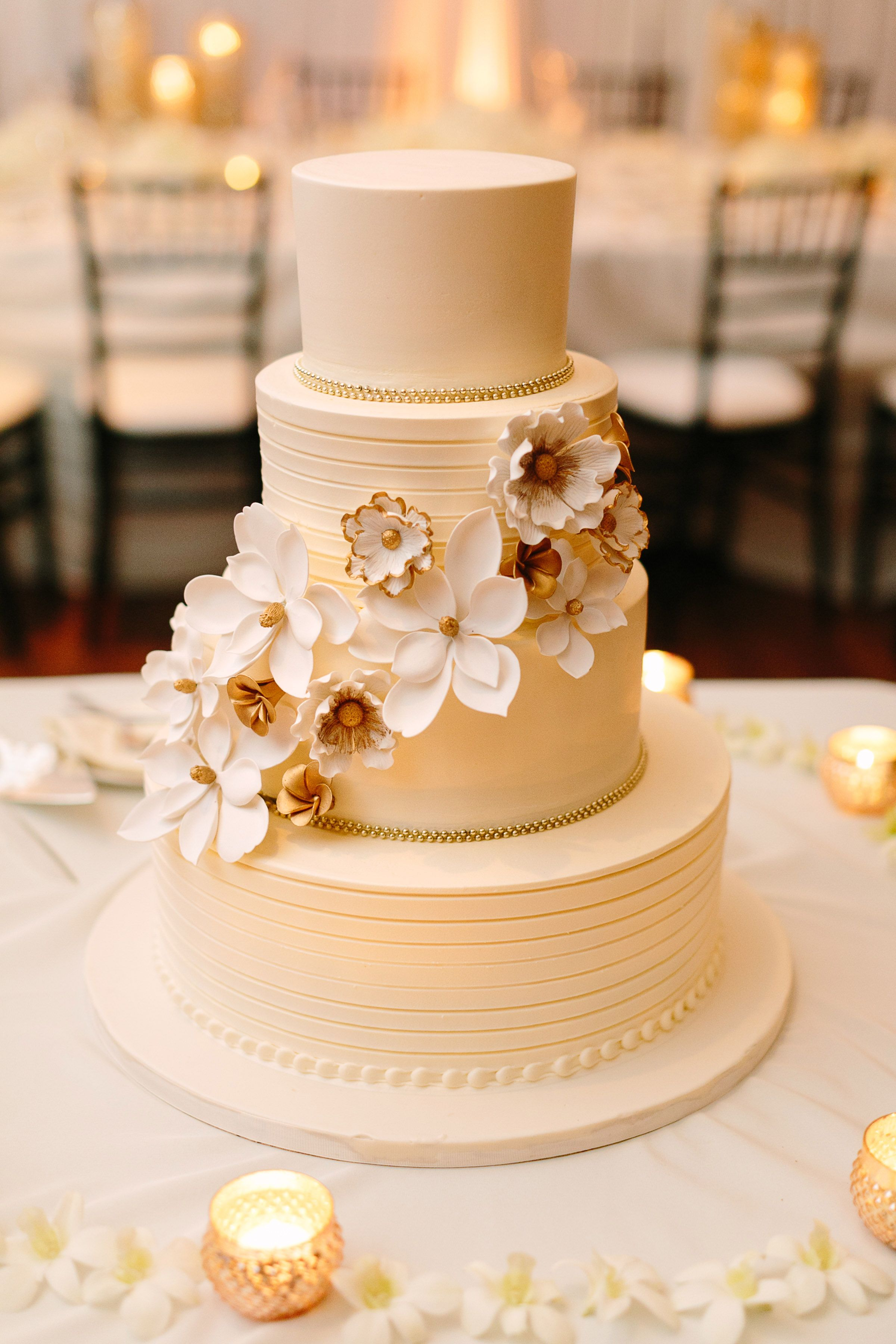Wedding Flowers And Decorations In