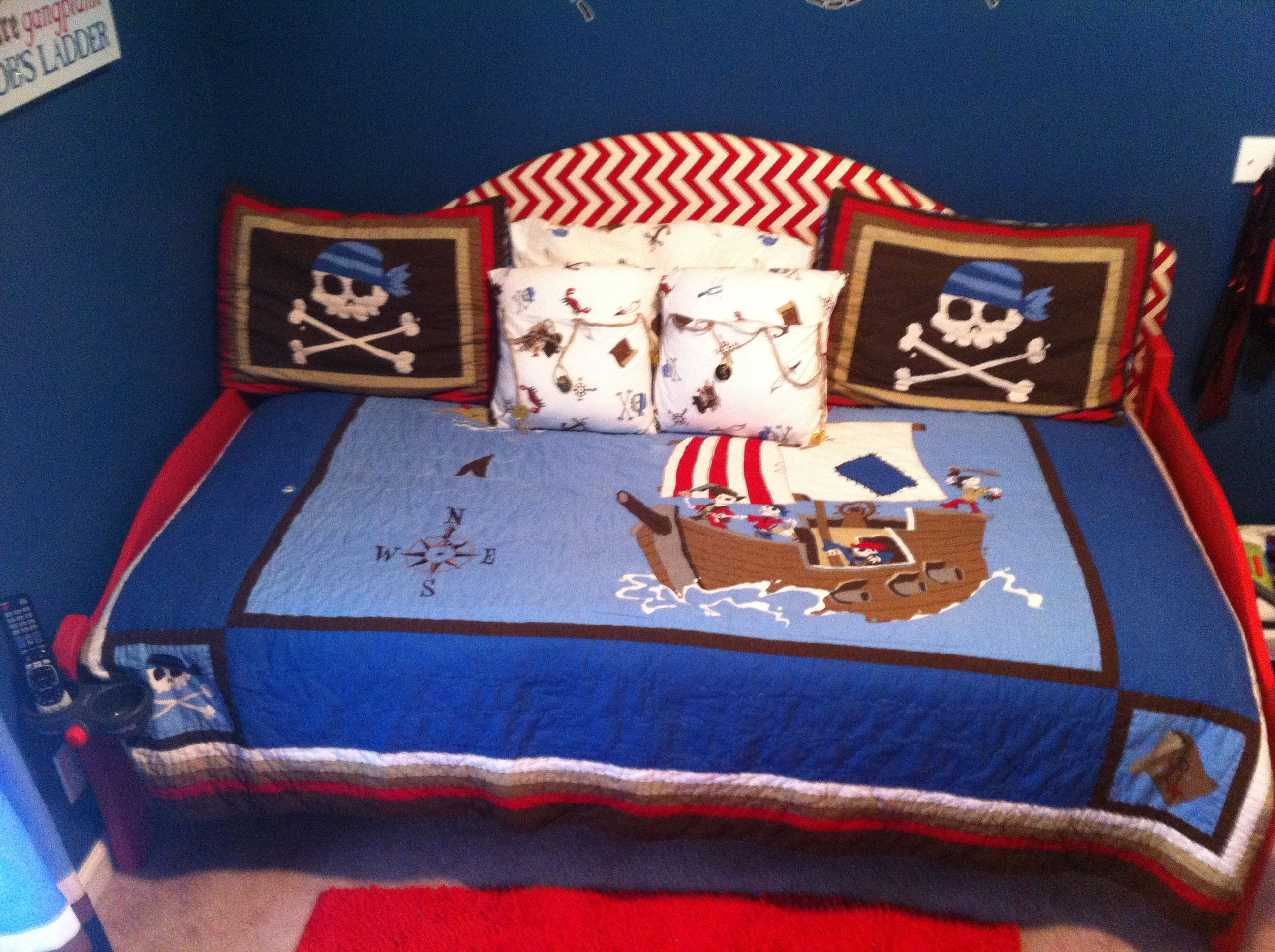 Boys pirate bedding | Ideas For Jett :) | Pinterest