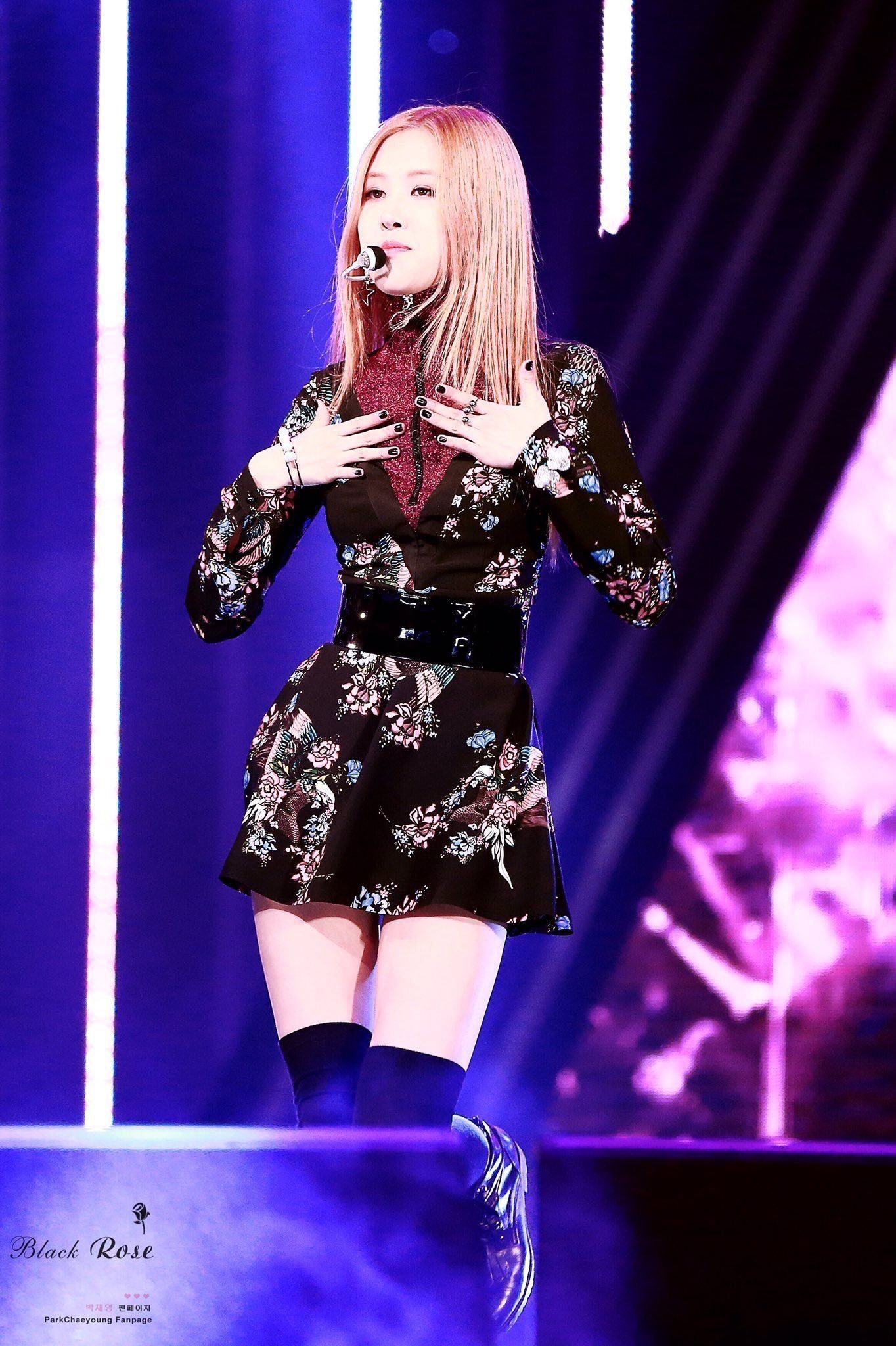 Top 10 Sexiest Outfits Of Blackpink Rose Koreaboo K S T Y L E