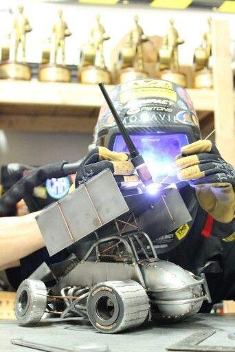 Sprint car tig welding Metalart motorsports racing welding cars metal art