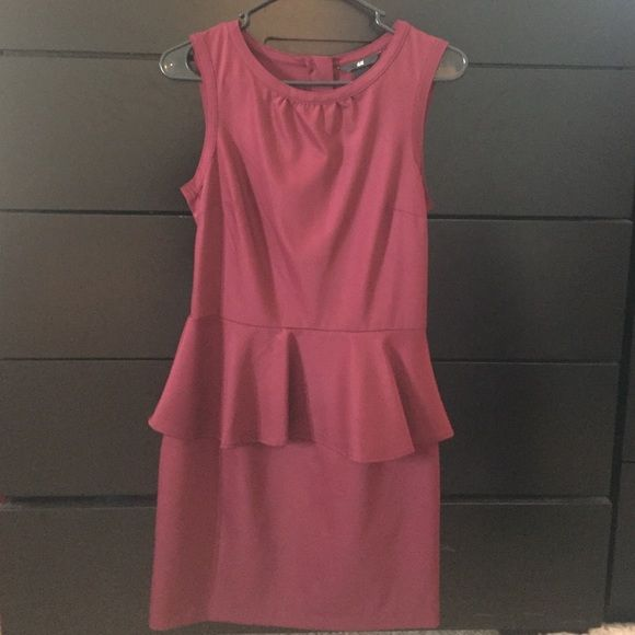 H&M Burgundy peplum dress NWOT- great quality. Never worn. Cute zipper detail in the back. H&M Dresses