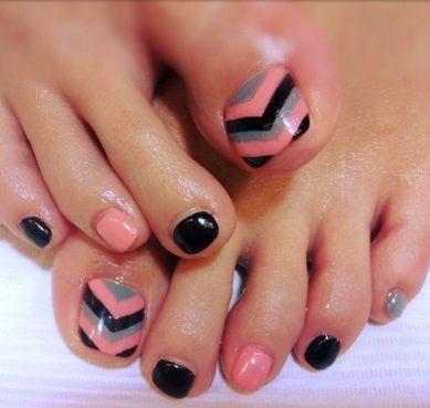 Pin By Emily Black On N A I L S Simple Toe Nails Chevron Toe Nails Toenail Art Designs