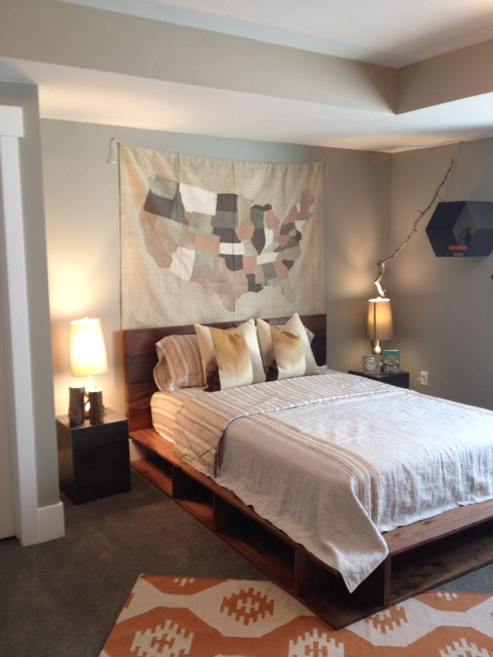 Tapestry Over Bed Instead Of Picture Frames