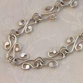 Sterling Silber Halskette Jugendstil inspiriert Halsband Anhänger gehämmert Sterling Silber Halskette Jugendstil inspiriert Halsband Anhänger gehämmer...