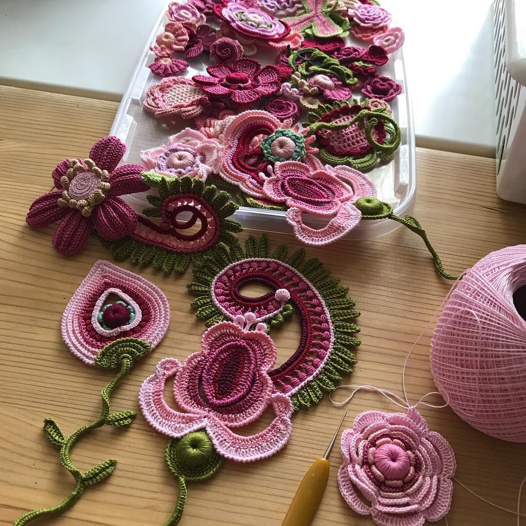 "Alisa Verbitskaya on Instagram: ""#irishcrochet #etsyjewellery #flowerdesign ##applique"""