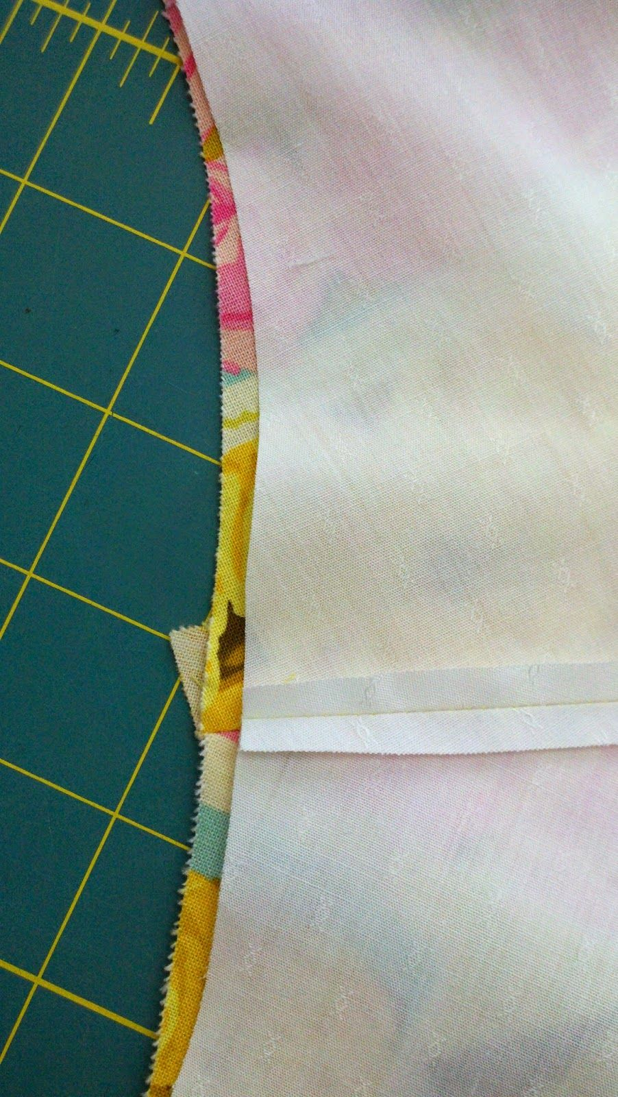 today's agenda: how to line a sleeveless dress (edge to egde)