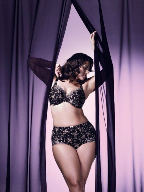 For Curvy plus size lingerie curves