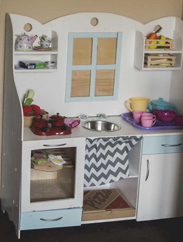 Drewniana Kuchnia W Pokoju Dwulatki Diy Home Decor Kitchen Cabinets Decor