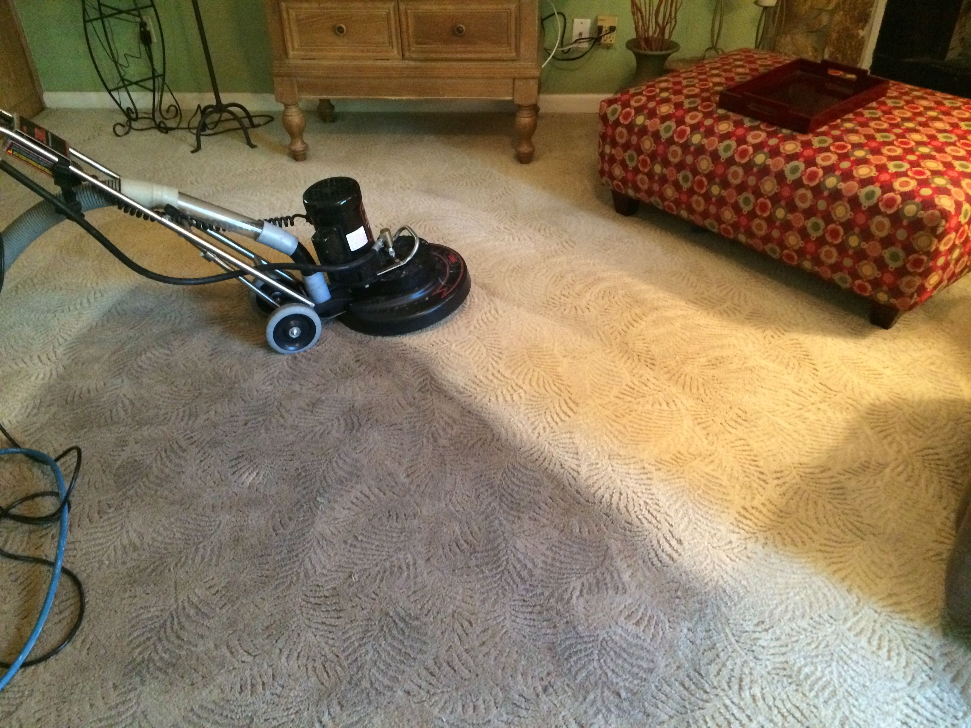 Rotary Extraction Cleaning On A Carpet That Had Been Diy Cleaned With A Rental Machi Carpet Cleaning Hacks Professional Carpet Cleaning Natural Carpet Cleaning