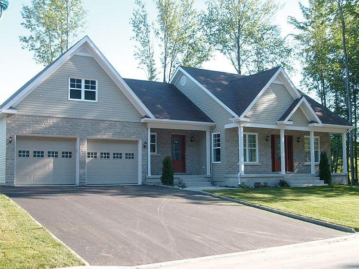 Plan 027h 0180 find unique house plans home plans and for Unique garage apartment plans