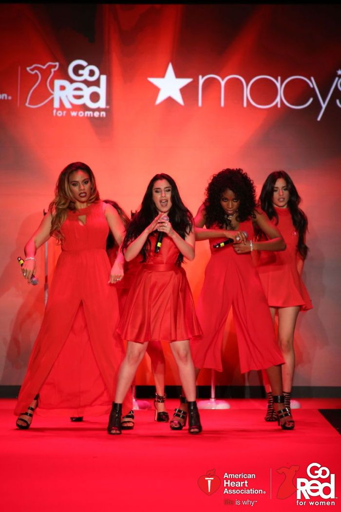 Love this celeb wearing red in support of wmn's heart health at the @GoRedForWomen Red Dress Collection 2015 presented by @Macys! GoRed