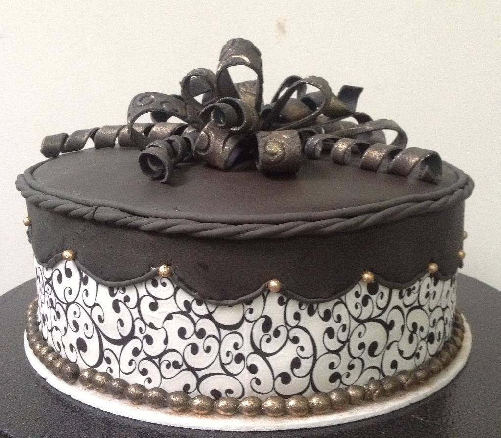 Elegant birthday cake Kings cake Pinterest Elegant birthday