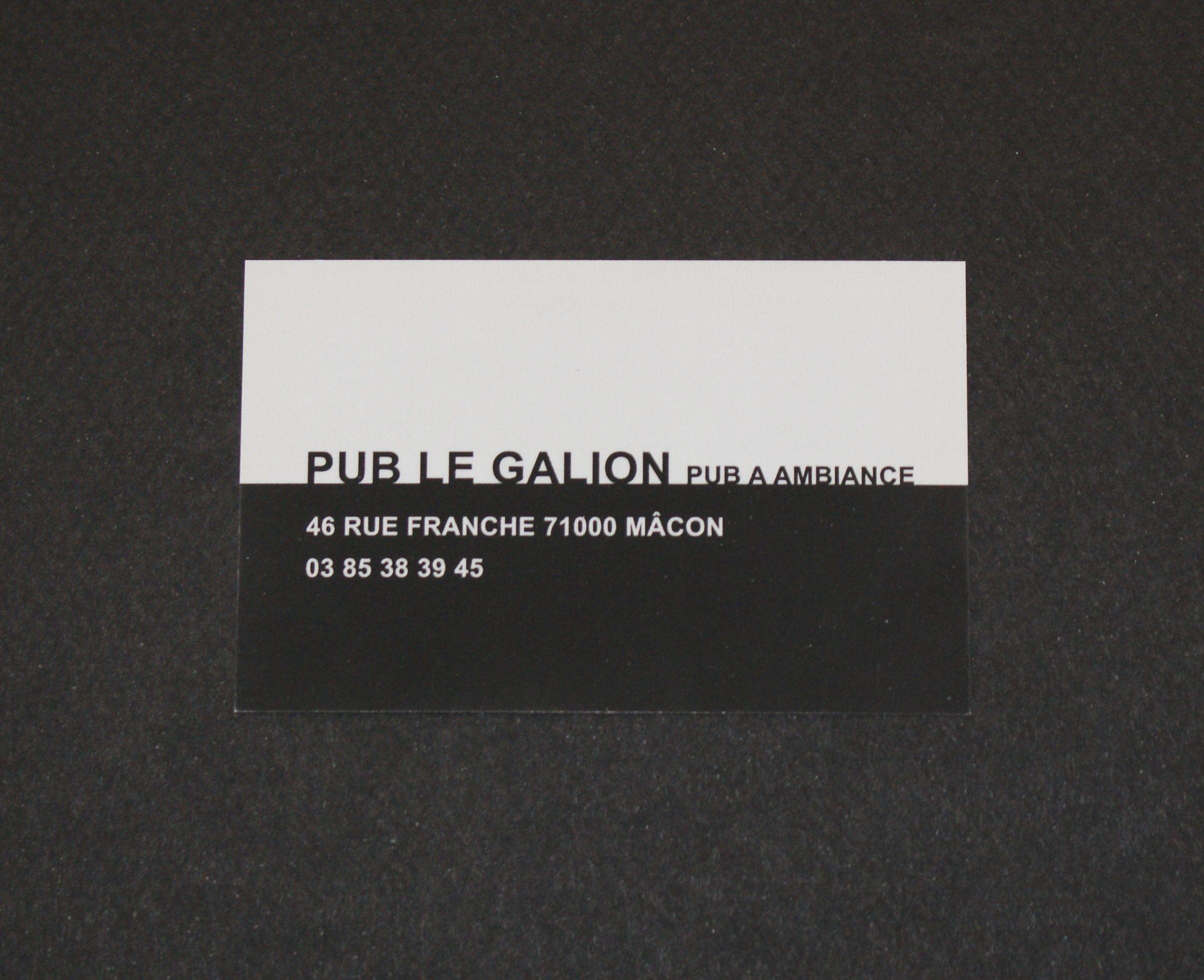 Carte De Visite Format Classique Sur Un Papier 300g Avec Effet Mat Pour Le Pub