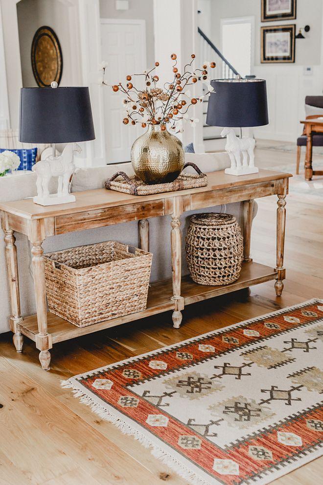 Beautiful homes of instagram recibidores pinterest - Mesas para delante del sofa ...