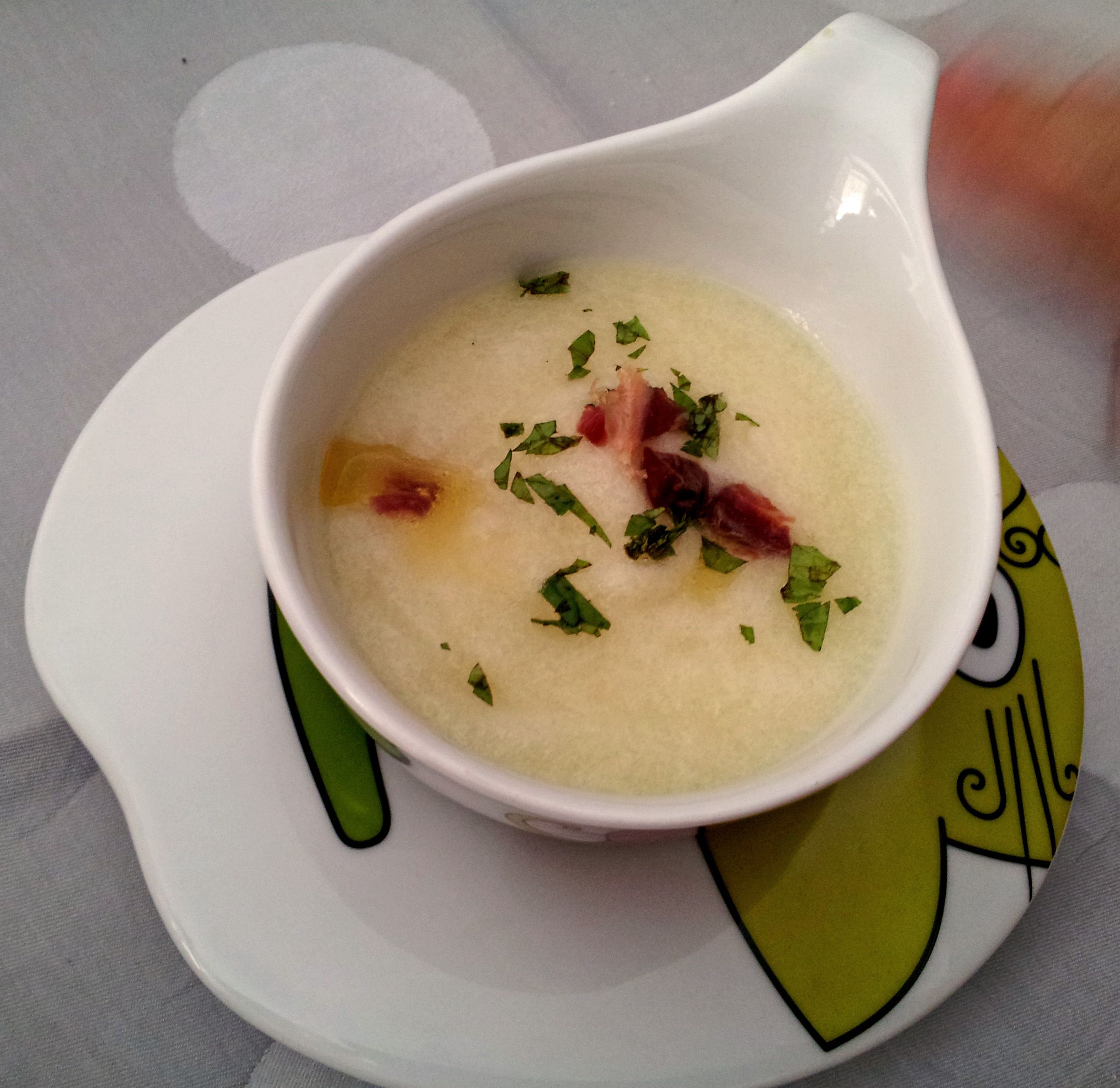Perfect desert: melon soup. Special ingredients: ham, mint and olive oil. Cooked by Azhar Media