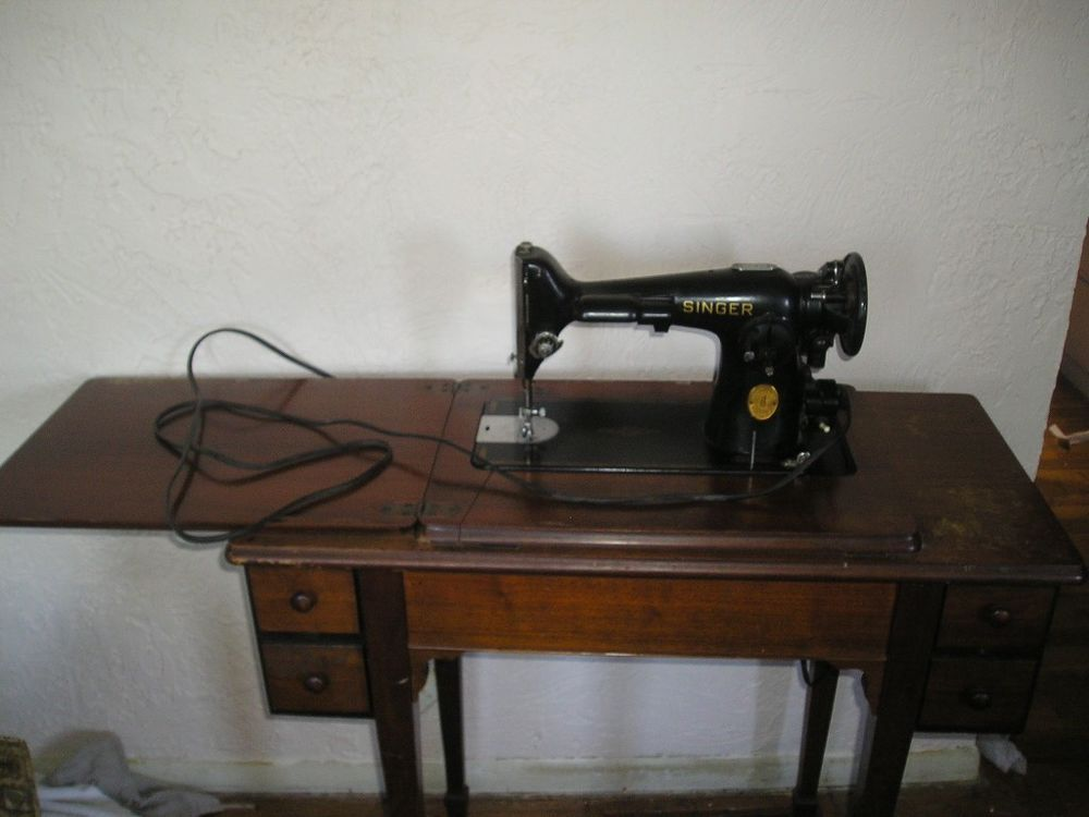 Vintage SINGER 4040 Electric Sewing MACHINE In Wooden Cabinet Magnificent Antique Electric Singer Sewing Machine In Cabinet