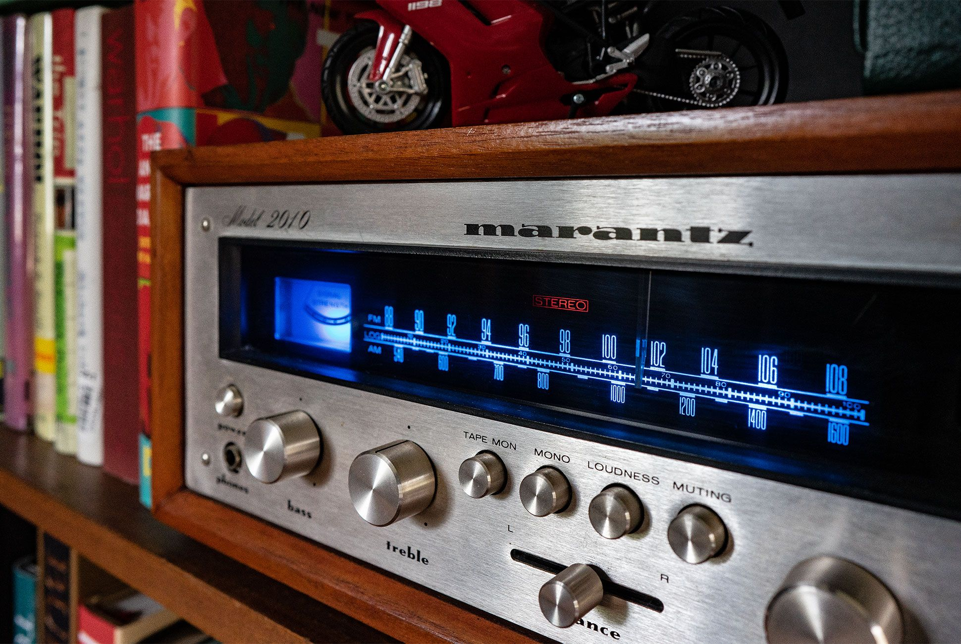 Shopping For A Vintage Marantz Receiver Here S What You Need To