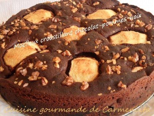 Moelleux croustillant chocolat pommes http://www.carmen-cuisine.com/article-moelleux-croustillant-chocolat-pommes-107922787.html
