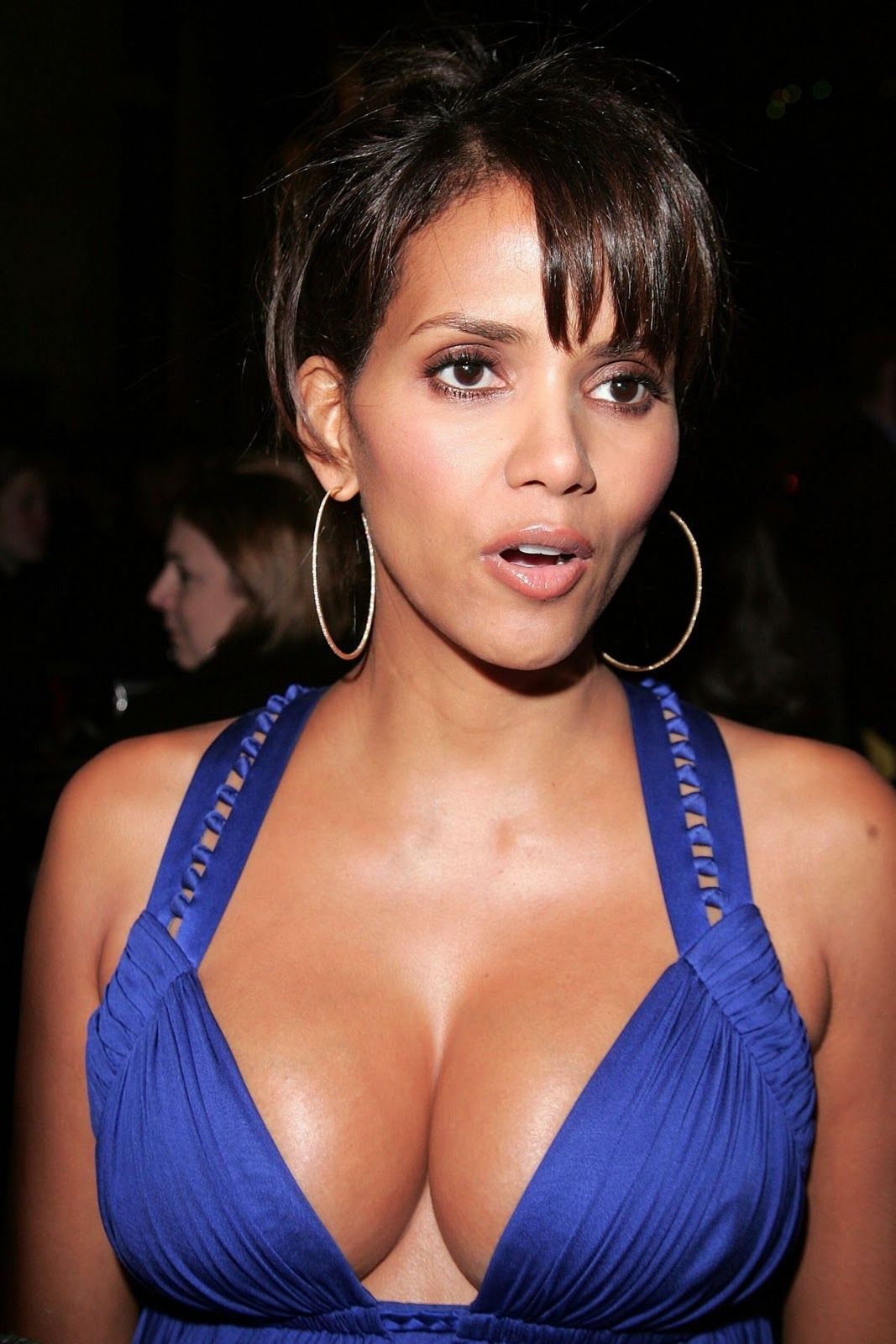 Top 10 Most Beautiful Breasts Beautiful Actress Halle Berry Hot