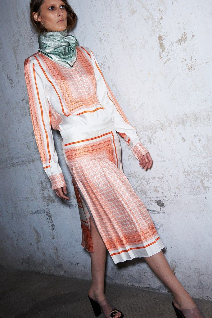 See the complete Céline Resort 2013 collection.