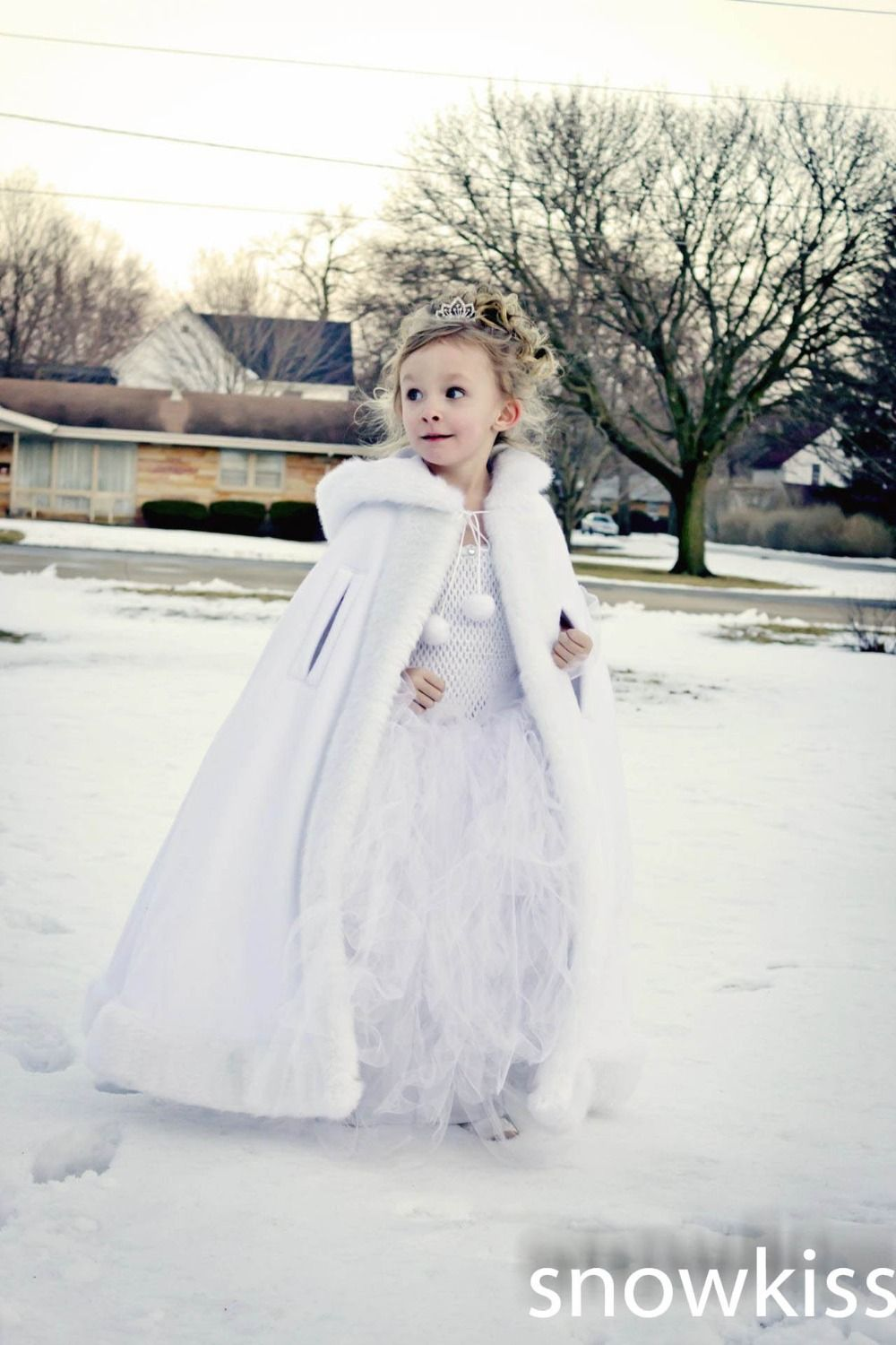 80f4287110 flower girl in winter wedding - Google Search … | Inexpensive ...