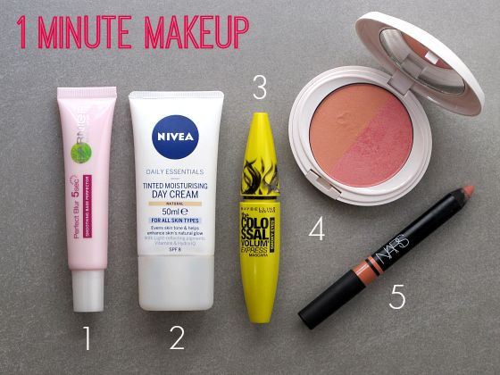 I'm a big fan of a simple, quick makeup routine for a casual day out. This one minute makeup will have you out the door looking and feeling fresh.