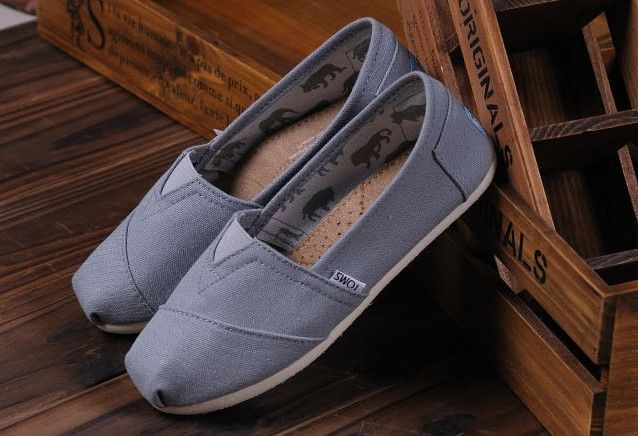 Toms Classic Mens Shoes Light Grey Canvas | Stuff to Buy