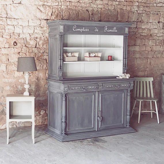 Magnifique meuble entièrement décapé puis patiné couleur gris Deux