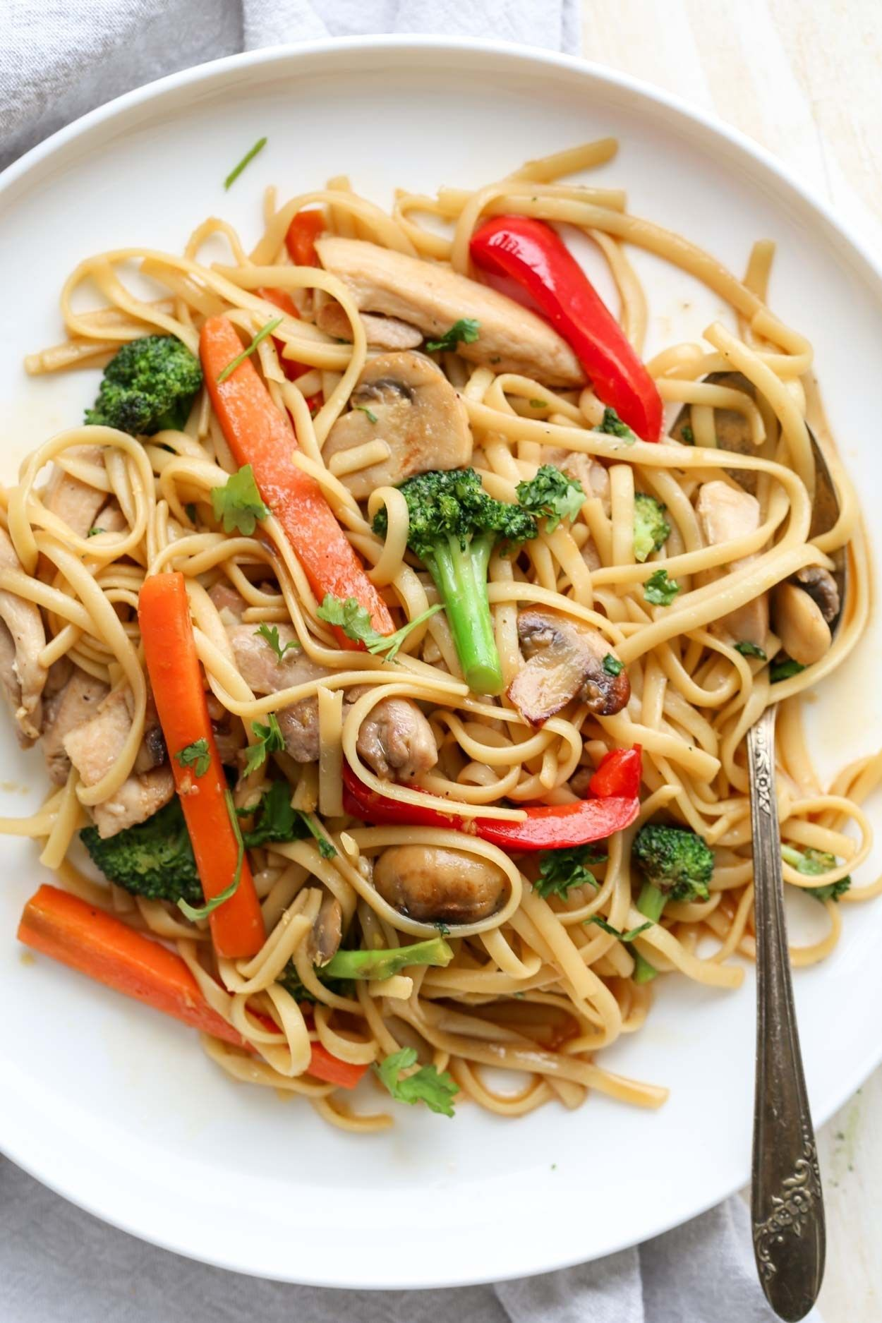 How To Make Vegetable Chicken Stir Fry With A Sweet And Tangy Sauce Served With Pasta Chicken And Veg Stir Fry Recipes Chicken Chicken Stir Fry Wok Recipes