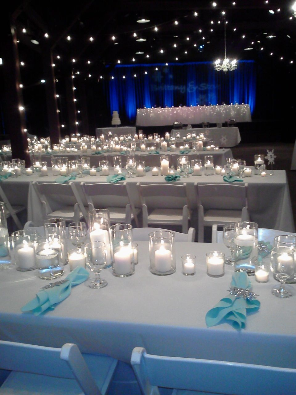 Look at these beautiful decorations from last weekend's Winter Wonderland wedding!