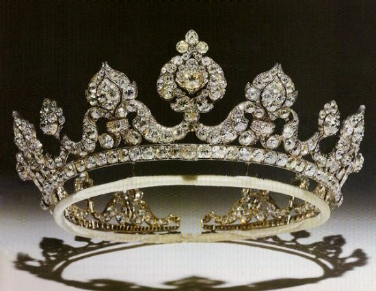 Tiara of the Marchioness of Londonderry. | Royal jewelry ...