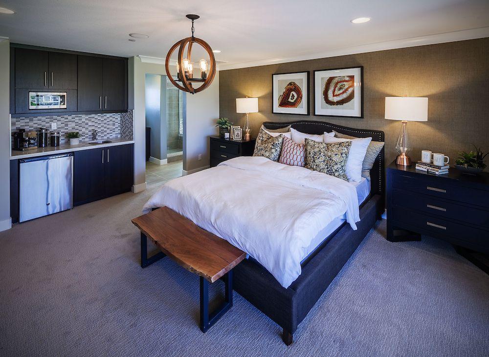 Breakfast in bedroom. 🍳 [Oak Ridge at the Fairways in