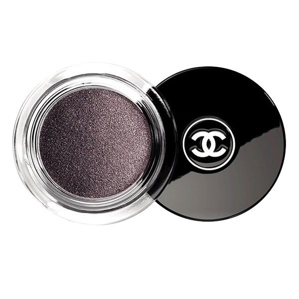 Purple hues are everywhere this fall, so spice those lovely eyes of yours with Illusion d'ombre luminous shadow by Chanel in 'Illusoire.'