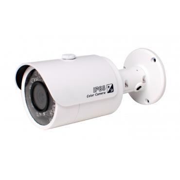 """HAC-HFW2100S _____  CARACTERISTICAS  Cámara HD Bullet CCTV 1/3 """"CMOS 1.3megapixel 25/30/50/60fps @ 720p alta velocidad, larga distancia de transmisión en tiempo real HD y el interruptor de definición estándar. Menú OSD, control a través del cable coaxial Día / Noche (ICR), AWB, AGC, BLC, 3D-DNR, 6mm lente fija (2,8 mm, 3,6 mm, 8 mm opcional) Max. IR LED 20m de longitud, inteligente IR IP66, DC12V ___  $ 55.900 + iva…"""