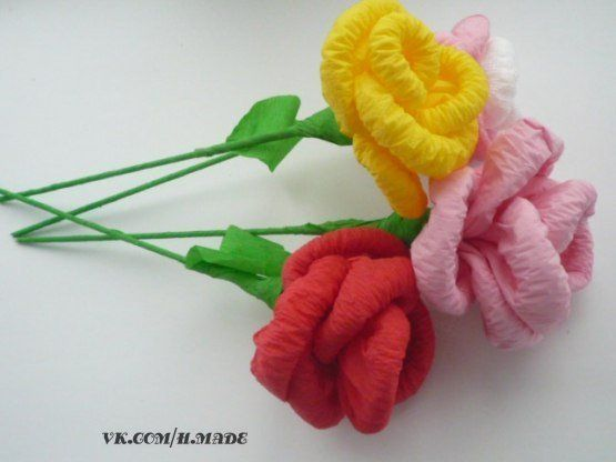 Como hacer ramo de rosas con papel crepe 1 manualidades - Como hacer ramos de flores ...