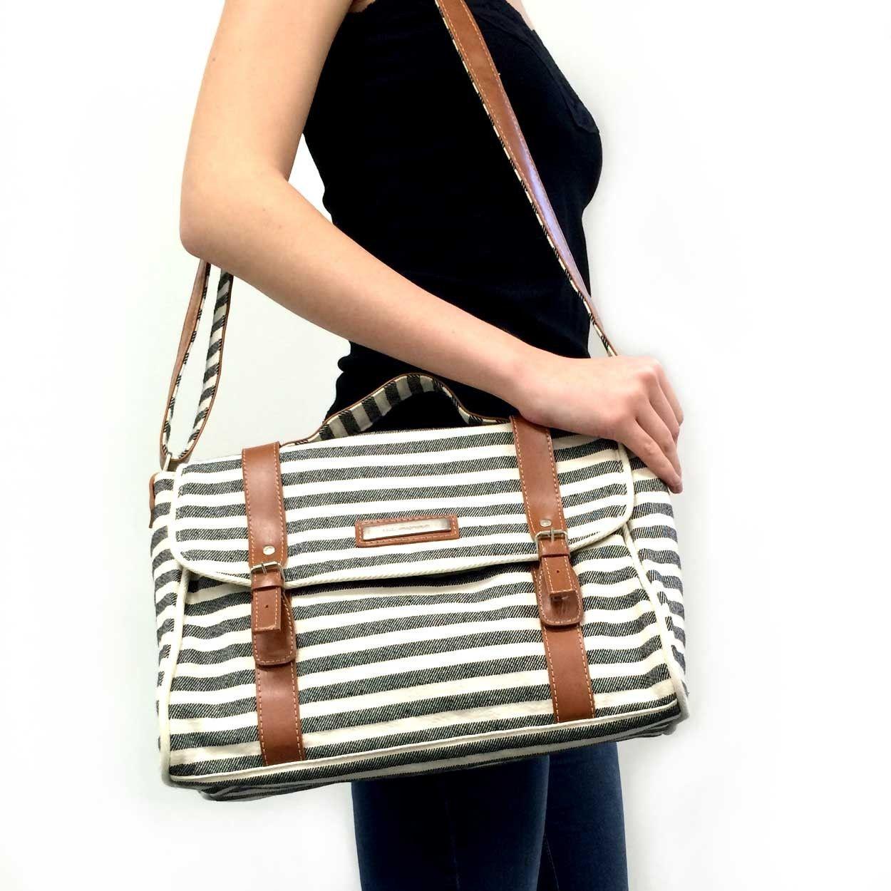 a6d3a3dd0 BOLSA MALETINHA LISTRAS - Imaginarium   Bag   Bags, Fashion e Tops