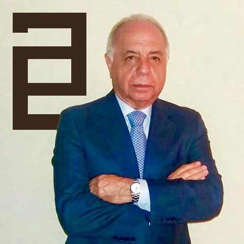 D. Álvaro Soto Galán ejerce como Abogado Especialista en Derecho Mercantil en el municipio de Sevilla.