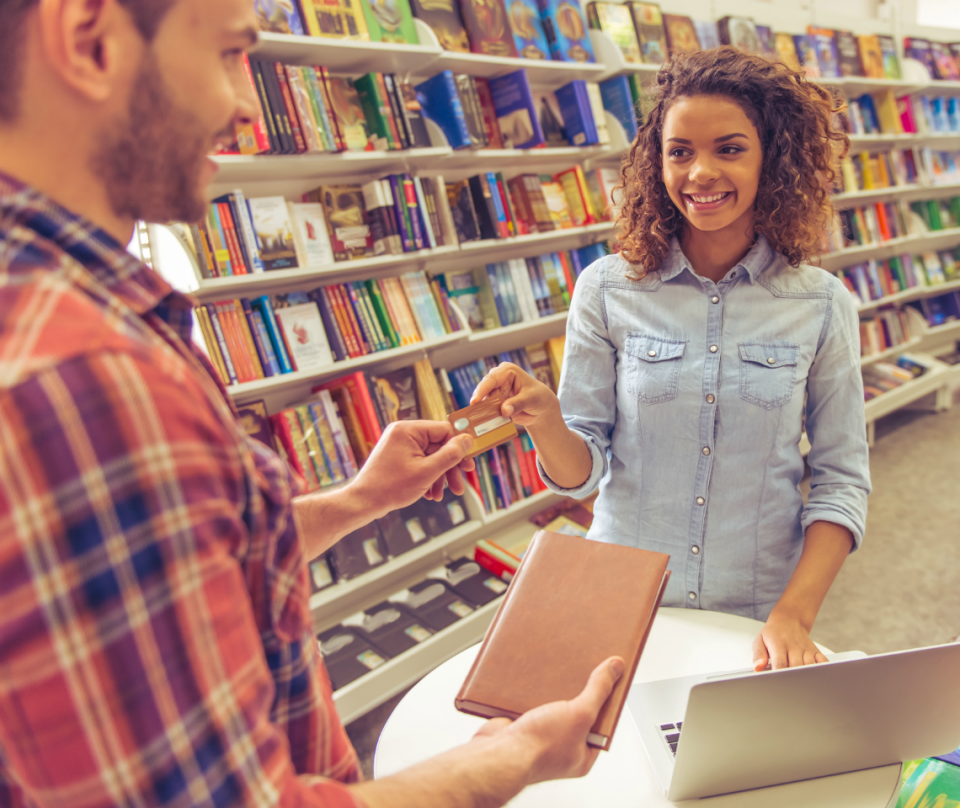 Do's & Don'ts Of How To Build Credit In College