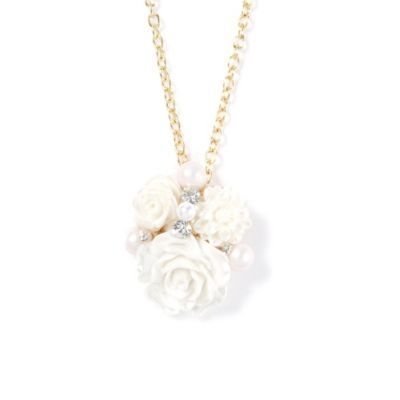 Carved Flowers Pendant Necklace