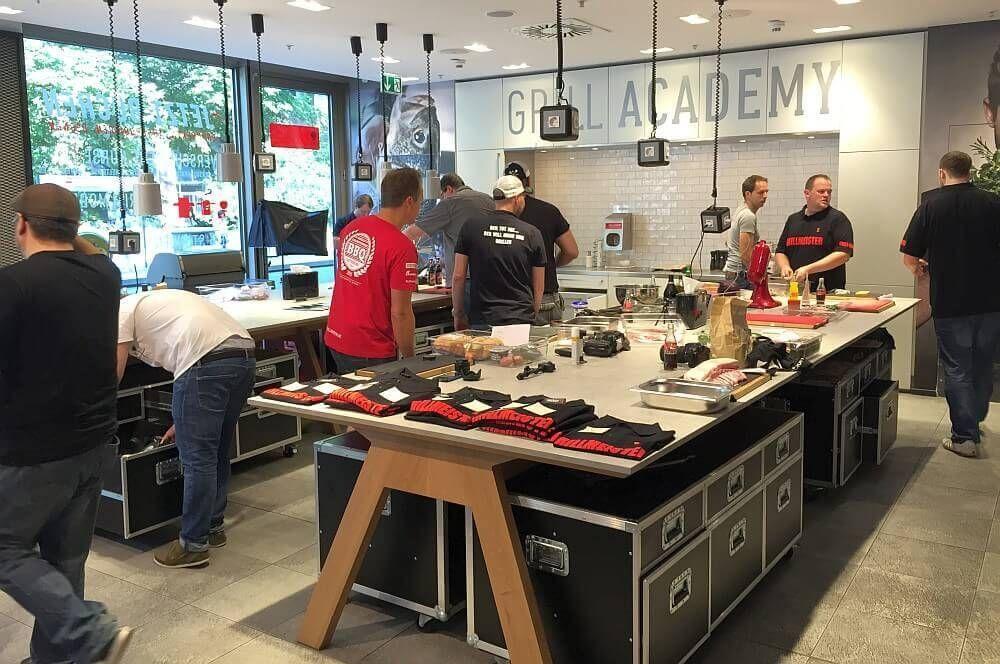 weber original store berlin weber grill akademie weber original store. Black Bedroom Furniture Sets. Home Design Ideas