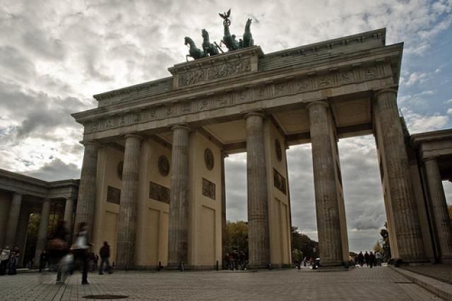 MustSee Sites In Berlin Brandenburg Gate Brandenburg And - 10 things to see and do in berlin germany