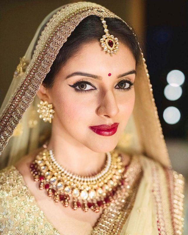 Asin Thottumkal And Rahul Sharma Wedding Album Photos Fashion Design Mag Bridal Necklace Necklace Designs Tikka Jewelry