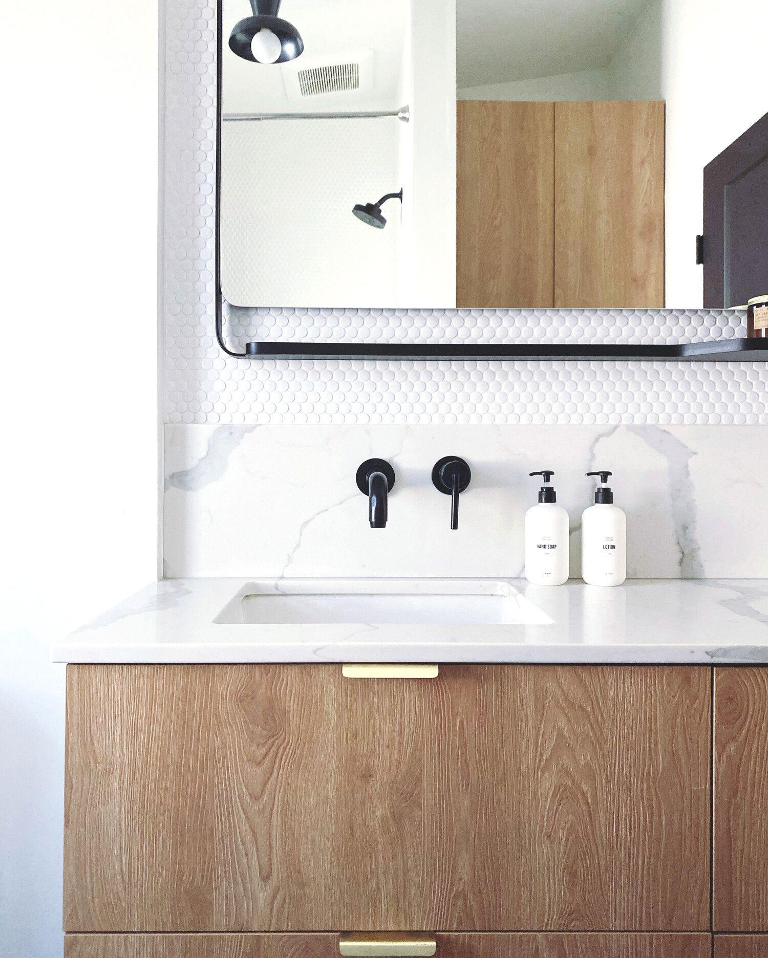Customizing Ikea Godmorgon Vanity Its Leal Love In 2020 Ikea Godmorgon Ikea Bathroom Glamorous Bathroom Decor