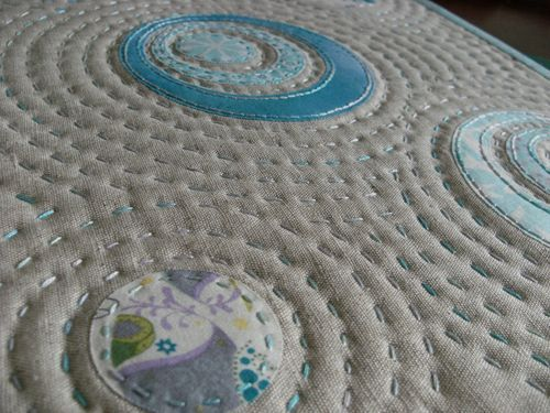 Quilting Around Circles Chunky Stitches By Hand Quilting