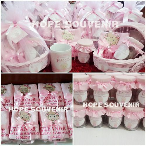 Cari Hampers Baby One Month Oldbirthdaysouvenirgift Wedding Wedding Weddings One Month Baby Birthday Souvenir Baby Gifts