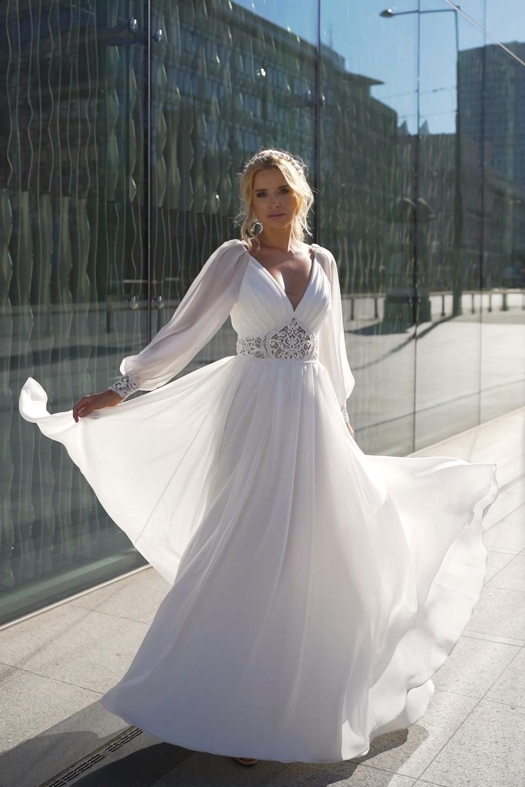 Gladka Suknia Slubna Vintage Z Bufiastymi Rekawami Safona I Nowa Kolekcja Pracowni Dama Couture Video Fashion Dress Party Wedding Dresses Wedding Dress Long Sleeve
