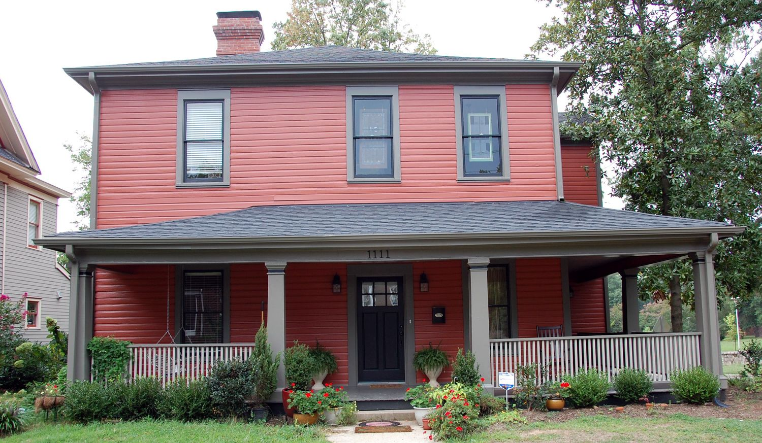 Craftsman Exterior Paint Color Combinations For Small Homes With Bricks Based On Craftsman Are