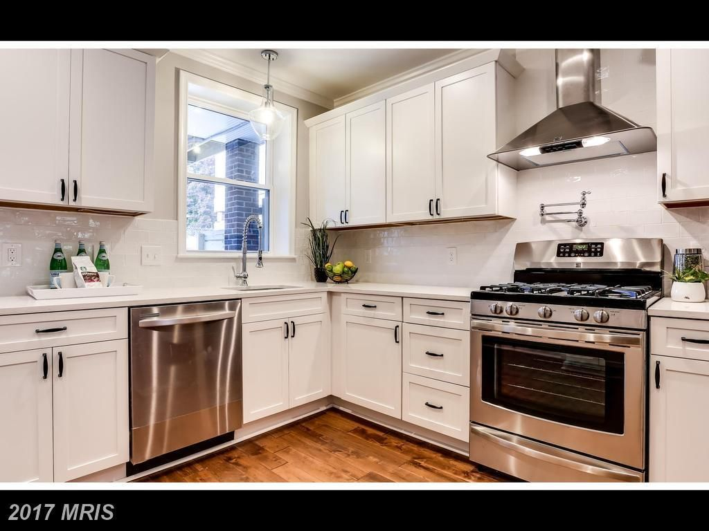 2714 Fait Ave Baltimore Md 21224 4 Beds 3 5 Baths Kitchen Home Kitchen Cabinets